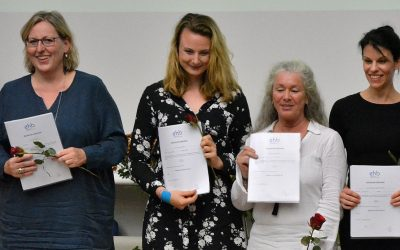 Erste Absolventinnen des verkürzten Hebammenstudiums in Berlin